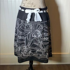 Michele linen skirt embroidered